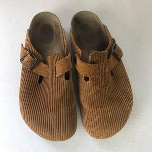 Birkenstock's Corduroy Ribbed Slip On Shoes EUC